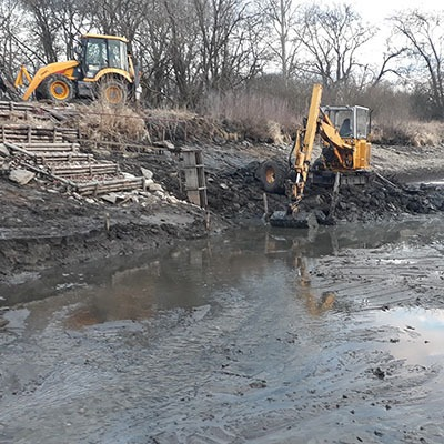 Čištění rybníků a odtokových strouh